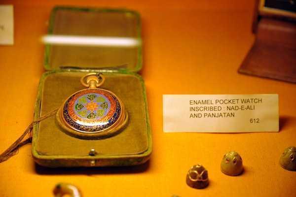 Enamel-pocket-watch-inscribed-Nad-e-Ali-and-Panjatan